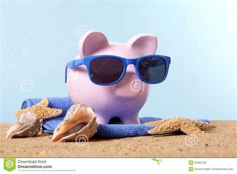 summer bank travel money planning vacation savings piggy bank