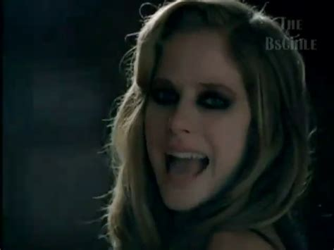 nobody s home alternate cut mv screencaps avril