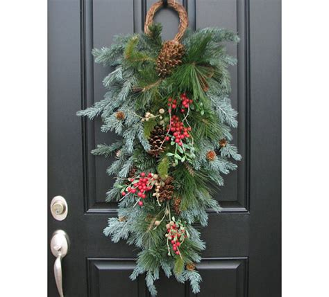 unique holiday wreaths diy holiday decor 100 layer cake