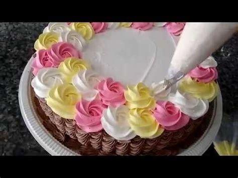 como decorar bolo efeito cesta 25 melhores ideias sobre bolos wilton no pinterest