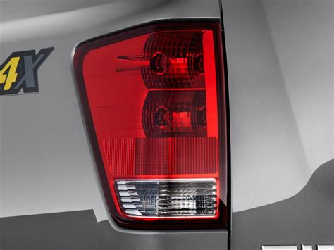 2006 nissan titan tail light image 2014 nissan titan 4wd king cab swb pro 4x tail
