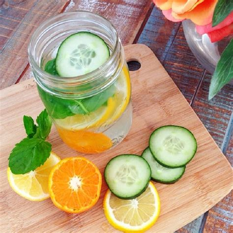 Detox By Putting In Water by Diy Detox Water The Best Remedy For A Flat Stomach