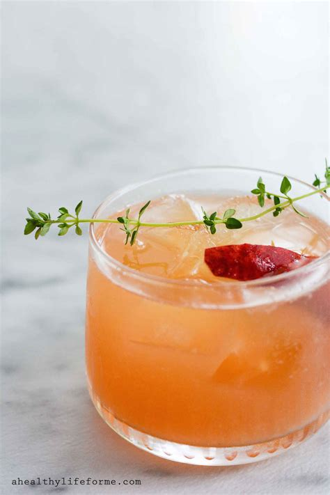 peach bourbon thyme smash  healthy life