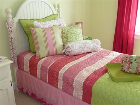 green pink bedroom 8 green bedroom decorating ideas for spring frances hunt
