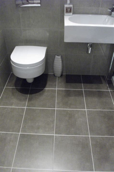 bathroom with grey tile floor grey floor tile bathroom peenmedia com