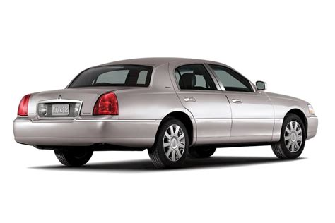 lincoln towne car lincoln town car sedan models price specs reviews