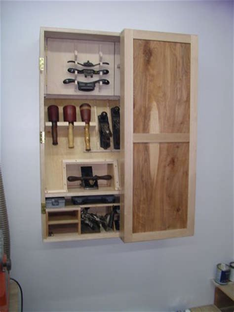 werkzeug wandschrank wall hung tool cabinet 4 fitting out the interior 2