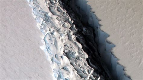 What Is The Largest Shelf In Antarctica by Antarctica Rift To Create One Of Icebergs