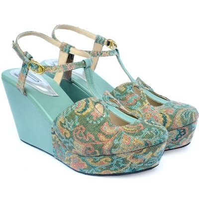 Sandal Wedges Zr01 Putih 80 1000 images about batik and ethnic styles on kebaya lace fashion weeks and the bunny