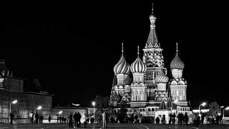 wallpaper black and white buildings red square wallpaper