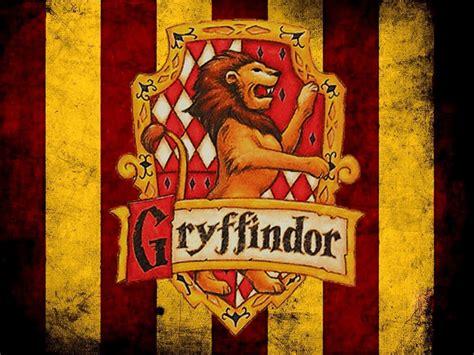 harry potter in welches haus gehörst du welches hogwarts haus passt zu dir