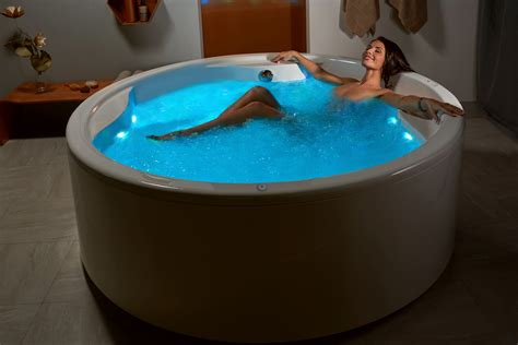 in a bathtub aquatica allegra wht freestanding hydrorelax pro jetted