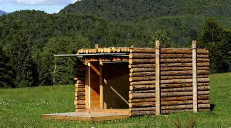 Log Cabin Labradors by The Coolest Tiny House Looks A Stack Of Logs News Ecohome