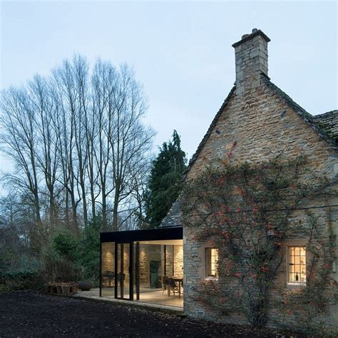modern cottages 17th century cottage gets a glassy modern extension