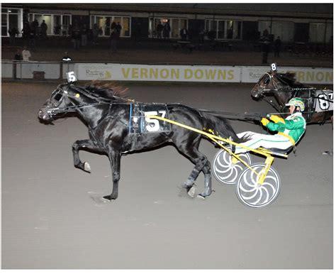 banca saolo vernon downs casino hotel racing news october 2012
