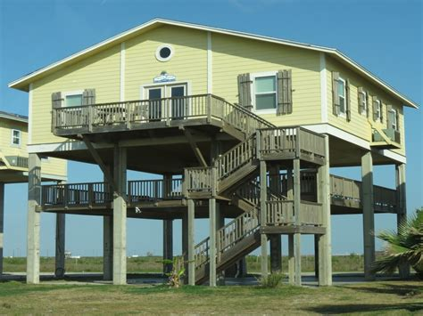 Beach Houses On Stilts | beach house on stilts house on stilts houses on stilts
