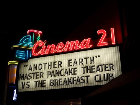 Cinema 21 Sign Up | panoramio photo of cinema 21 sign in the night