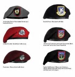 army beret colors the other black beret is the tactical airlift laision sp