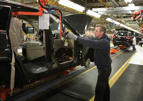 jeep factory jeep revs detroit factory for grand