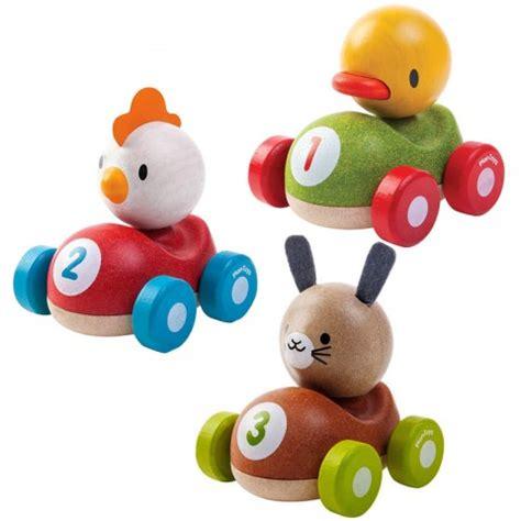 speelgoed ecocheques racer kip 12m plan toys kudzu eco webshop