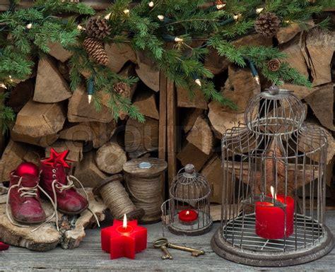 antique looking christmas lights vintage stil weihnachten dekoration mit roten brennenden