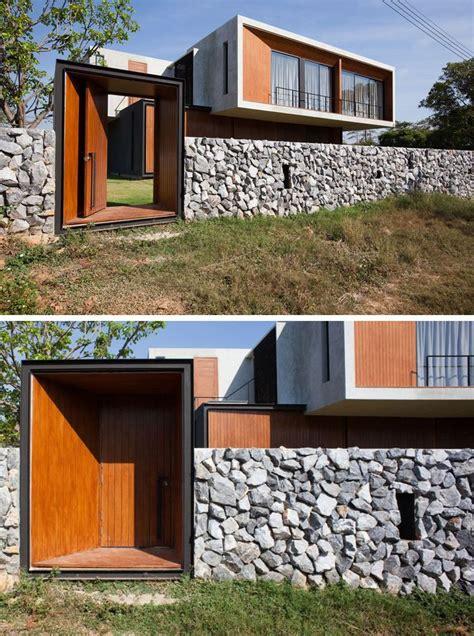 house  thailand   balance  concrete  glass modern compound wall design