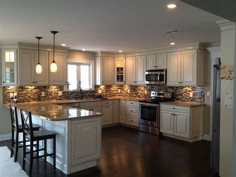 U Shaped Kitchen With Peninsula Design With American Kitchen Peninsula Designs