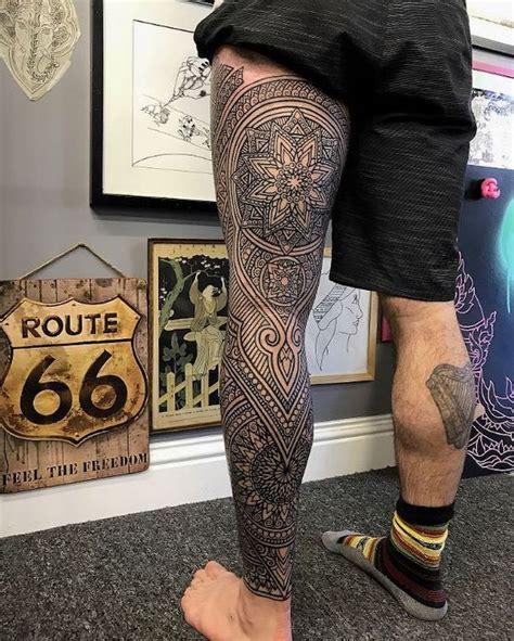 tattoo mandala jambe tatouage mandala cuisse femme