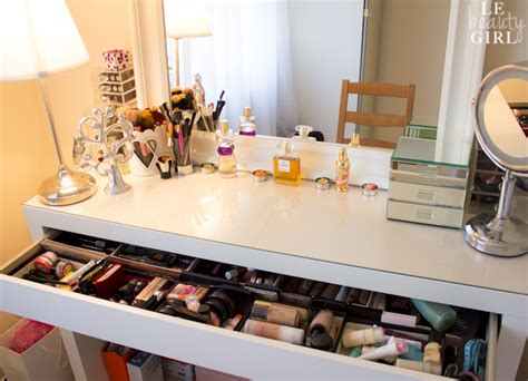 how to dress a table my dressing table