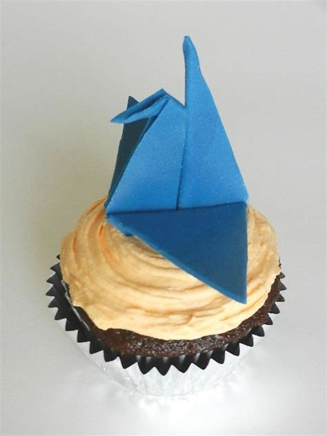 Origami Cupcake - origami fondant crane cupcake artisan yummies