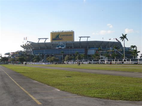 Landshark Property Records File Orange Bowl 2010 Landshark Stadium Jpg Wikimedia