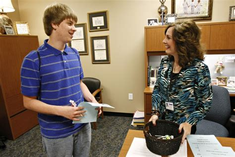 guidance counselor school counselors play key in futures news