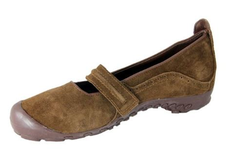women s comfortable brown suede cushioned walking shoes