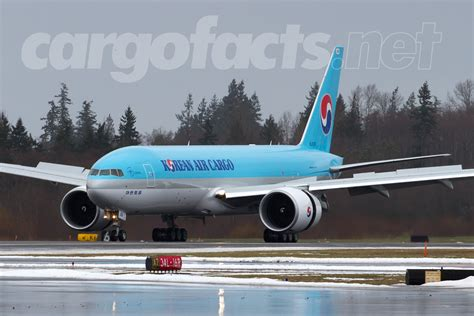 korean air cargo 777f arrives from pdx cargo facts
