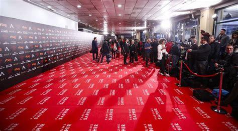imagenes de alfombras rojas la alfombra roja de los goya no es para los guionistas