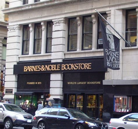 Barnes And Noble On 5th Avenue file barnes noble fifth ave flagship jpg wikimedia commons