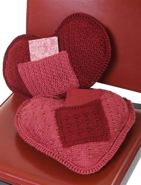 knitting pattern heart pillow coussin coeur au crochet i love u pillow free patterns
