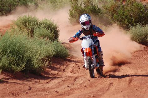 kids motocross racing small kid big dreams 11 year old heads to national