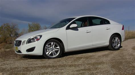 2013 volvo s60 t5 awd review 2013 volvo s60 t5 rebel among entry luxury sedans tflcar com