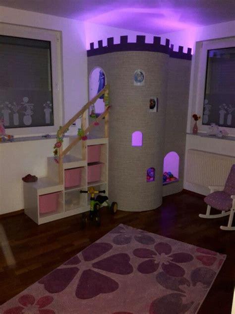 kinderzimmer cinderella himmelbett burg f 252 r m 228 dchen im kinderzimmer kinderzimmer