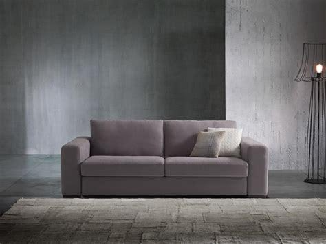 divano letto immagini divano letto dalle linee moderne rivestibile in tessuto o