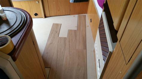pavimenti incastro pavimento in lame viniliche ad incastro