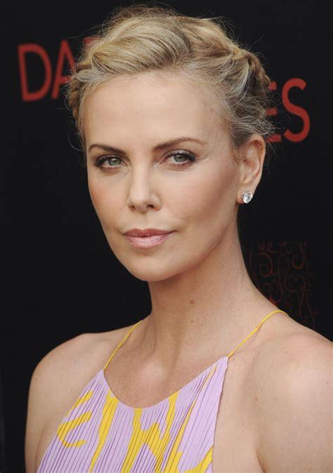 bollywood hollywood celebrity photos happy birthday charlize theron hollywood actress wardrobe malfunction top 10 hot