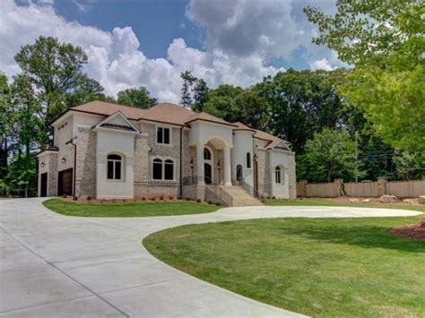 Great Chandeliers Com This Opulent Mansion In Gated Community Has All The
