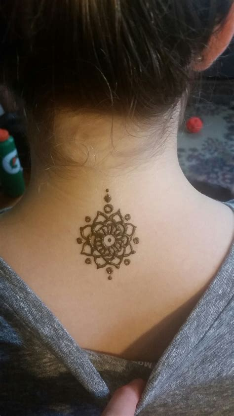 neck tattoo easy simple neck henna artist s corner pinterest hennas