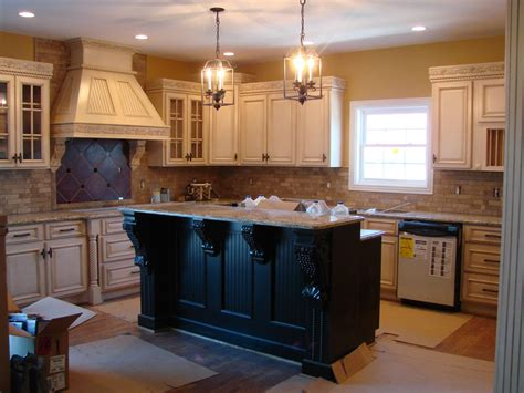 kitchens with antique white cabinets 5 gorgeous pairs for antique white cabinets midcityeast