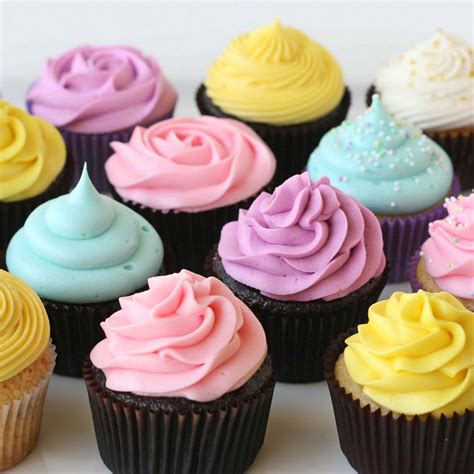 Cupcakes Decorating Tips by Glorious Treats Cupcake Decorating