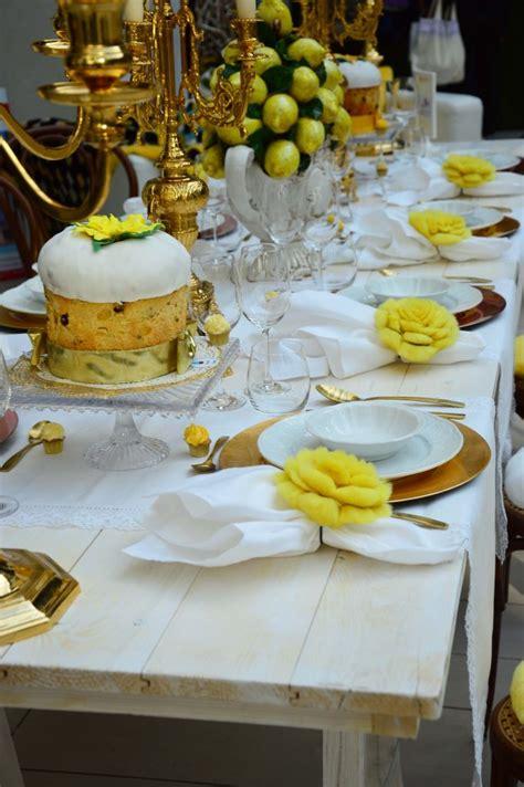 la tavola di natale come apparecchiare la tavola di natale con i fiori di
