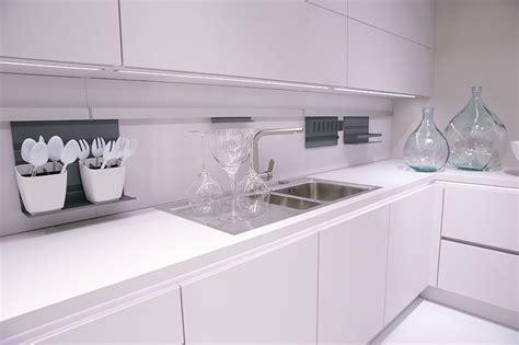 Komplett Küchen Günstig by Gr 252 Ne Wand Wohnzimmer Idee