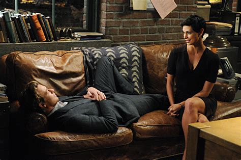 patrick jane couch the mentalist review quot every rose has its thorn quot tv fanatic